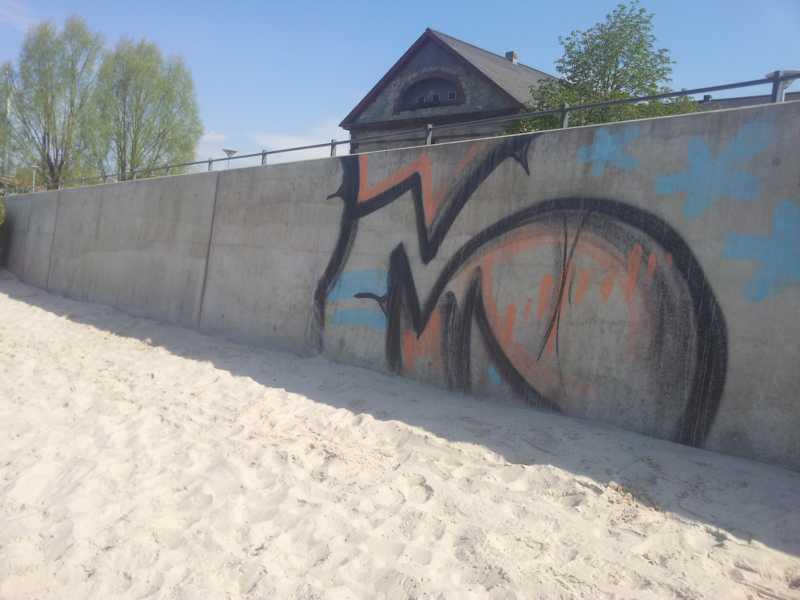 graffiti schutz und graffiti entferner f r beton und. Black Bedroom Furniture Sets. Home Design Ideas
